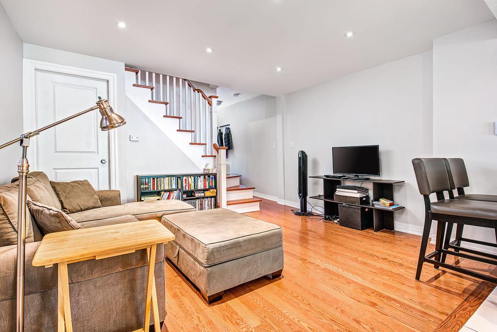 custom build home basement